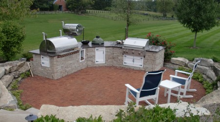 Deluxe Outdoor Kitchen