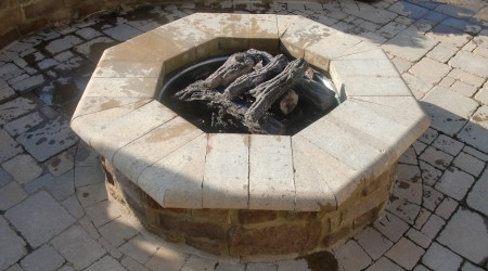 Gas Fire Pit with Ceramic Logs