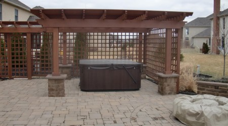 Hot Tub Enclosure, Fire Pit & Patio