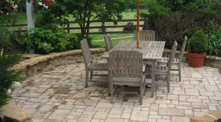 Paver Sitting Space with Stone Seatwall